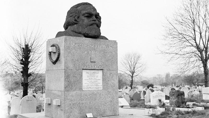"""新年伊始中共""""祖坟""""出事 马克思墓被砸毁"""