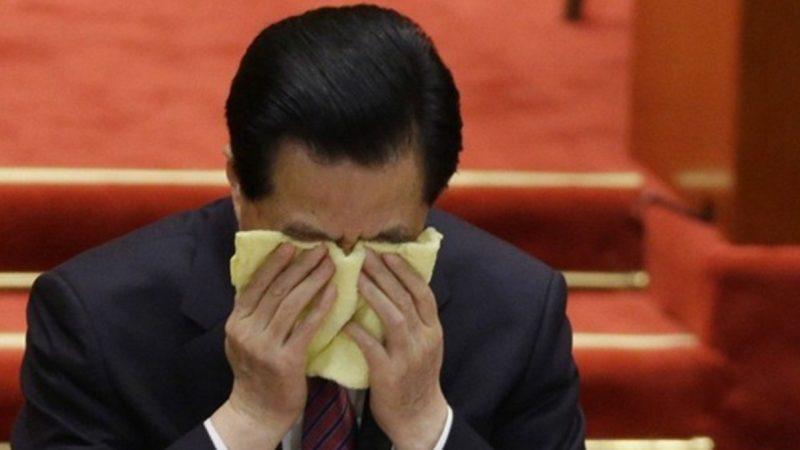 揭密:胡锦涛差点被带走软禁 众高官脸都吓白