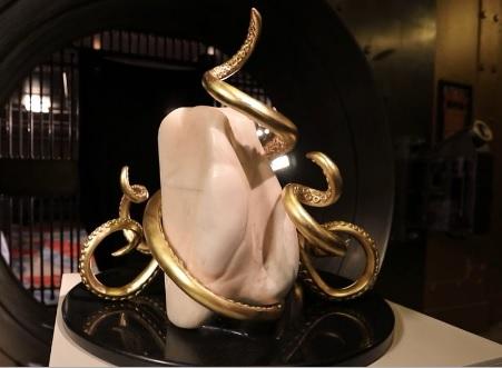 密市男子展示传家宝:27公斤世界最大珍珠