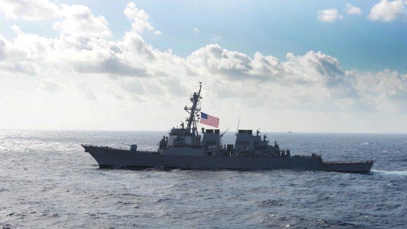 美两军舰再穿越台湾海峡