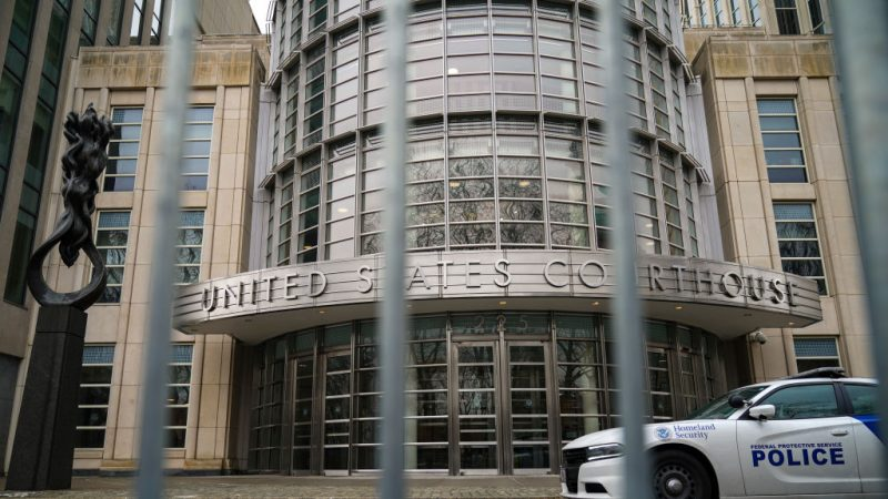 前中共外交官钟丹纽约获罪 5项罪名全部成立