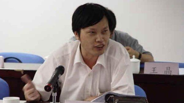 中共严控言论空间 胡星斗宣布不再发声
