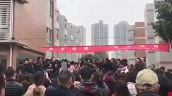 【江峰時刻 】維穩與維權—3.15消費者權益日