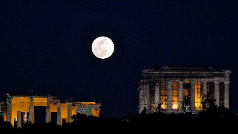 新研究:月亮一直在地球大氣層內運轉