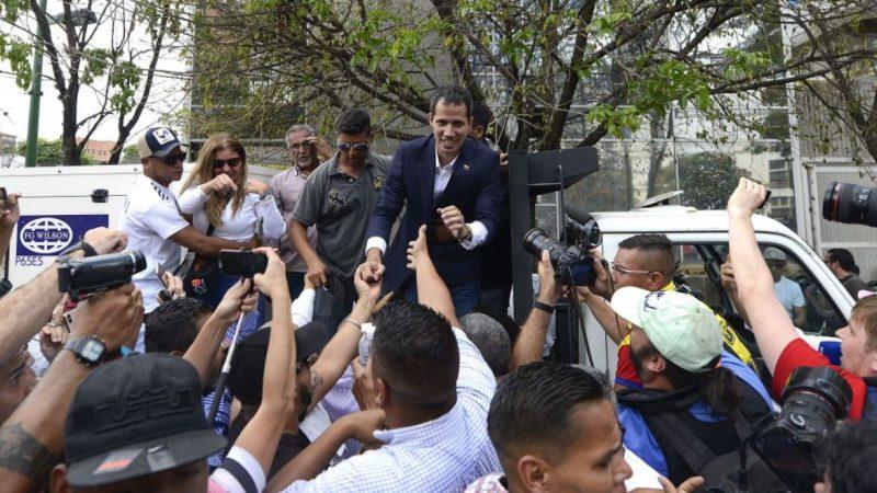 不顾逮捕威胁回国 瓜伊多:马杜罗陷矛盾泥沼