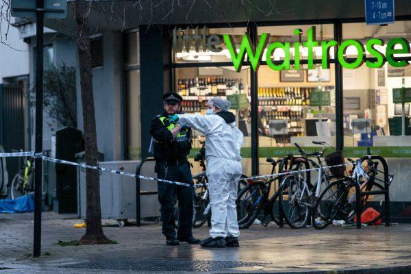 伦敦警力下滑犯罪上升 少年惨遭刺杀毙命