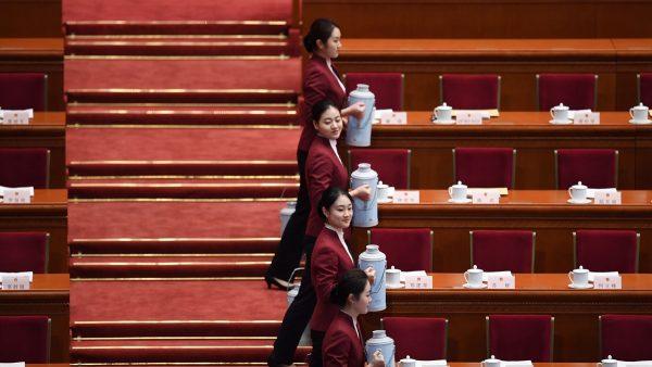 """中南海""""选美""""细节曝光 因江泽民出丑改规矩"""