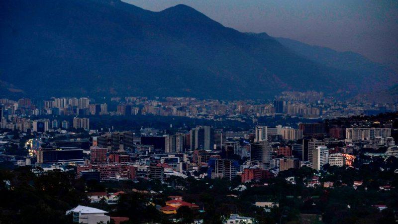 委内瑞拉大停电陷黑暗 洗肾作业停摆15患者丧生