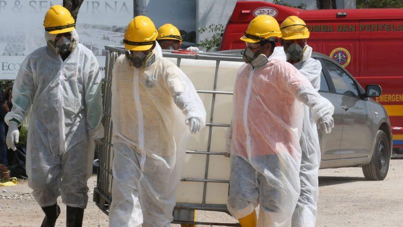 马国河流毒烟雾伤害扩大 学校停课逾2300人不适