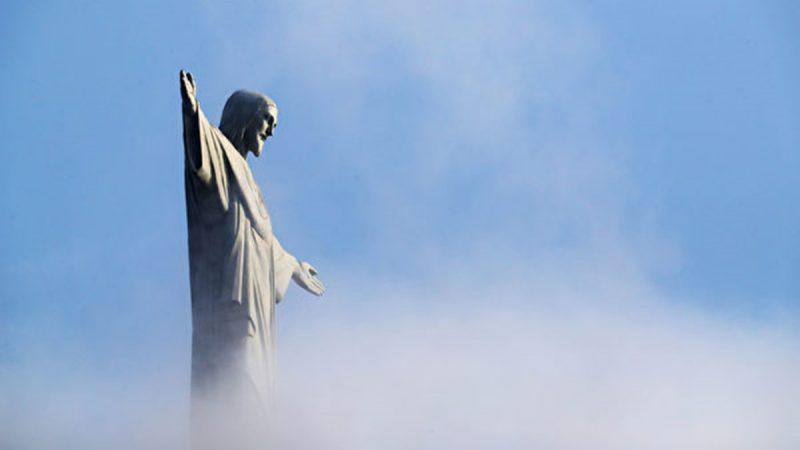 镜头见证 意大利男子拍到云端出现耶稣形像