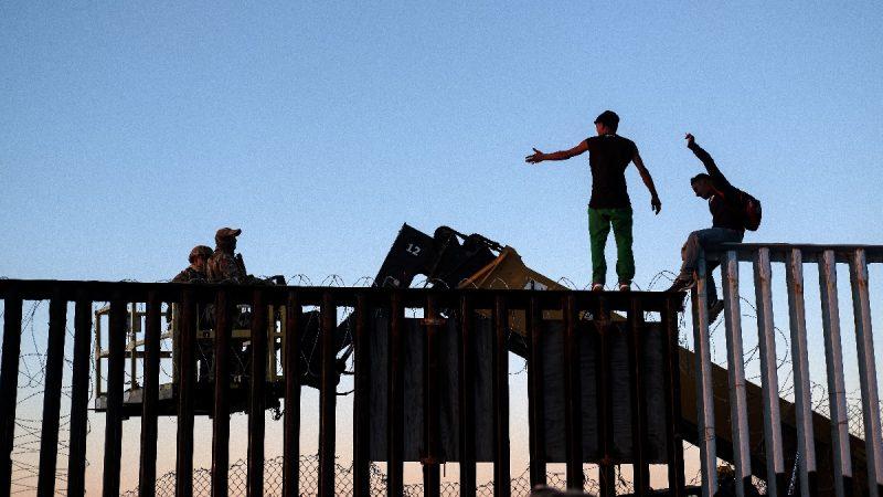 美国防部提供128亿美元 助川普建边境墙