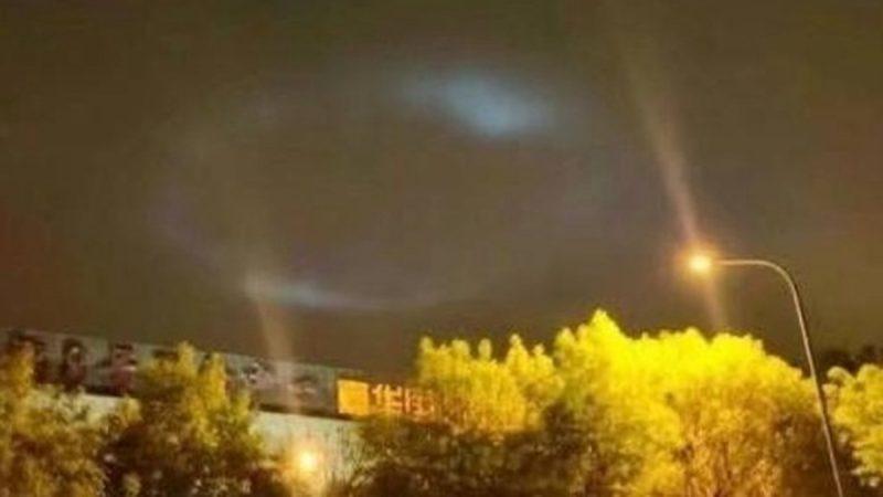 北京夜空驚現神秘光影 網友:是復活節的預兆嗎?(視頻)