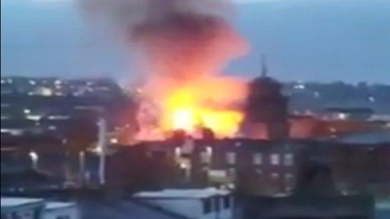 英230年历史大教堂起火 烈焰吞没整座建筑