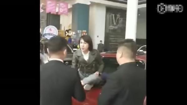 奔馳女18分鐘談判錄音曝光 不接受4S店道歉(配錄音)