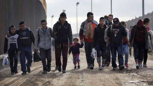 移民轉到庇護城市 白宮:選項已擺上桌面