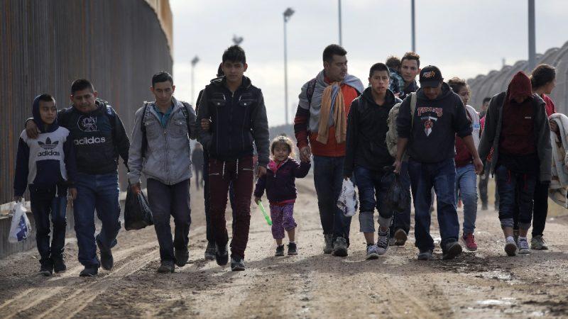 移民转到庇护城市 白宫:选项已摆上桌面