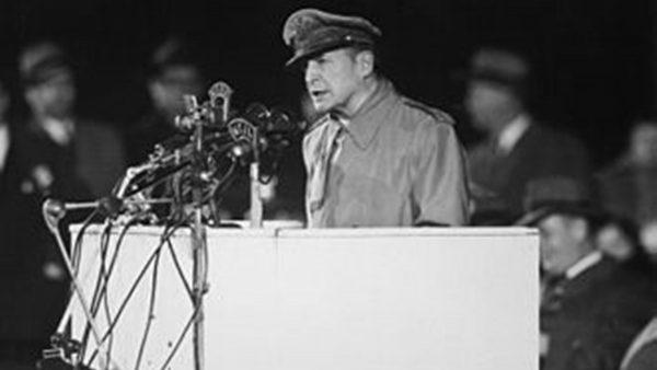 """【江峰时刻】朝鲜战争真的是一场""""错误的战争""""么?麦克阿瑟打击中共的计划曝光"""