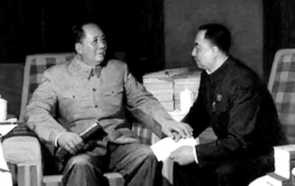 华国锋曾涉两场政变 习缺席纪念会有讲究