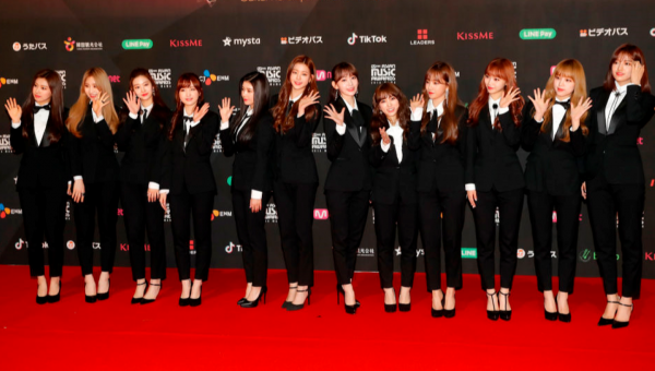 IZ*ONE迷你二輯刷新韓女團專輯首週銷售紀錄