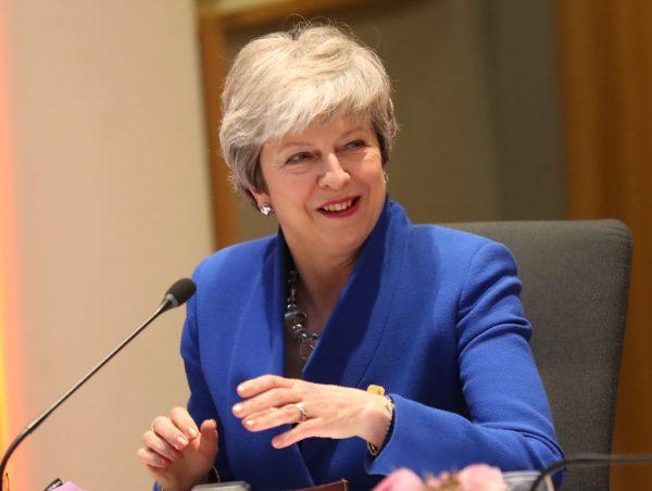 再陷逼宫危机 英媒:要首相梅6月底前下台