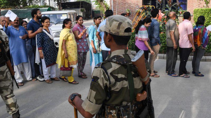 印度国会选举 近9亿选民投票开跑维安升级