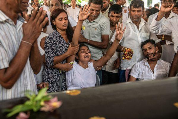 斯里蘭卡恐攻攀升321死 民眾哀悼 全國進入緊急狀態