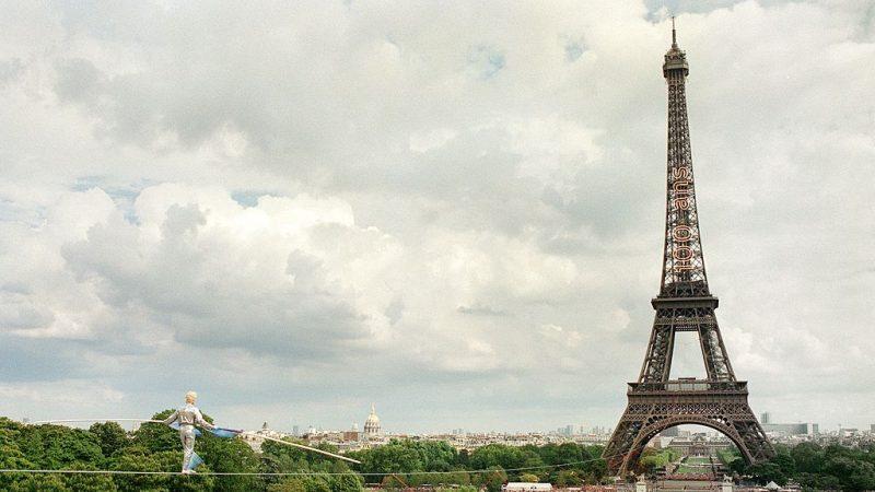 艾菲爾鐵塔130歲了!仍保持在「健康狀態」