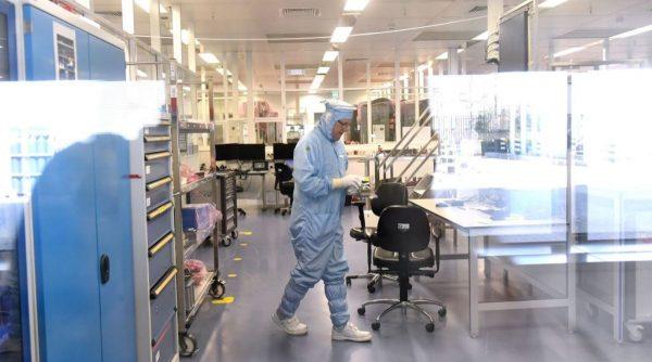 中國芯片自力更生?全球最大光刻機公司遭中企竊密