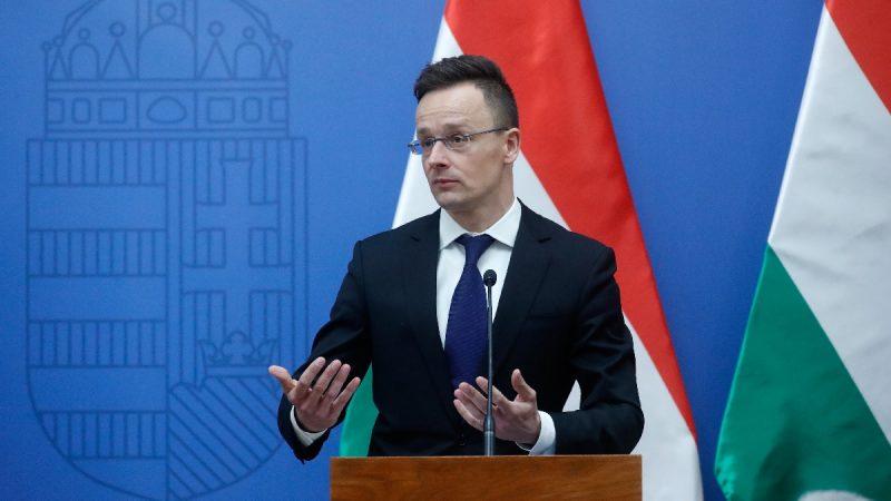 匈外长赞美国推北约改革 挺川普移民政策