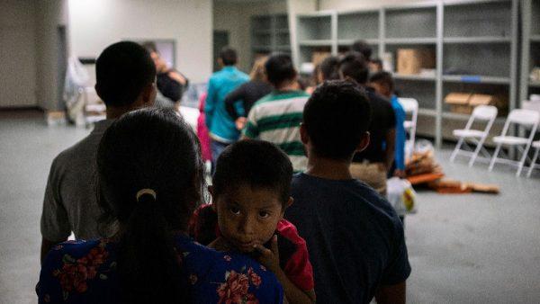 美边境发现3岁弃童 对低龄移民识别指纹