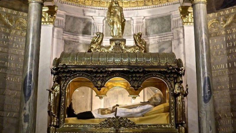 法神父去世近160年肉身不腐 生前曾有神蹟