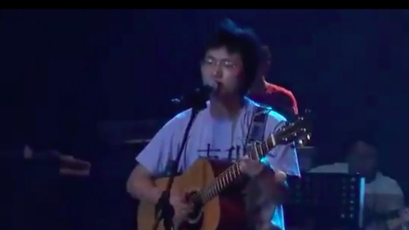 大陆民谣歌手李志与观众互动 听听他的自白 震惊了……