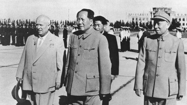 毛澤東警告劉少奇:一個小指頭就可以把你打倒