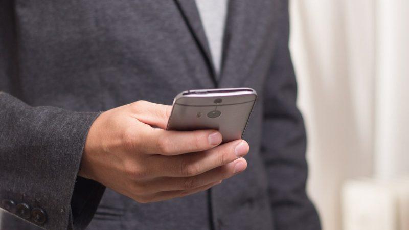 中國留學生以假換真騙千支iPhone  被訴詐騙面臨遣返