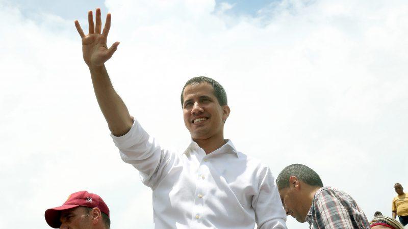 马杜罗宣布派代表与瓜伊多谈判 挪威充当中间人