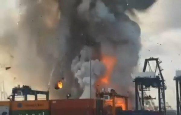 泰港口货柜大爆炸 烈火浓烟直窜天际酿50伤