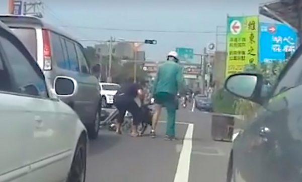 比特犬跳下車狠咬郵差 飼主被罰3萬元(視頻)