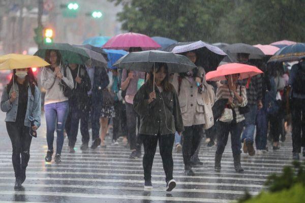 梅雨锋面影响台湾 各地留意瞬间强降雨