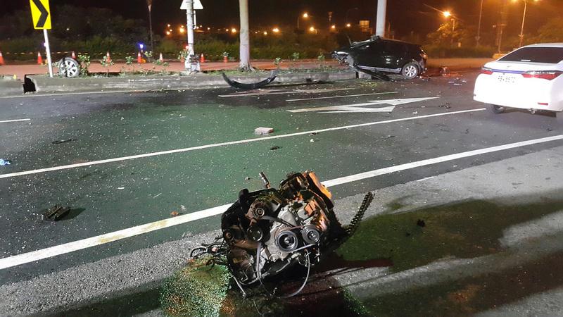 撞到引擎都喷飞 苗栗2青少年受轻重伤