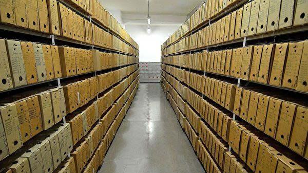 波兰立法全面禁止传播共产主义 违者入狱