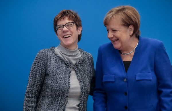 欧洲议会选情差 墨克尔传遭爱徒逼宫