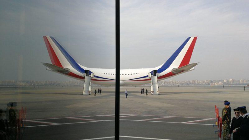 一架北京飛往俄羅斯的客機緊急迫降