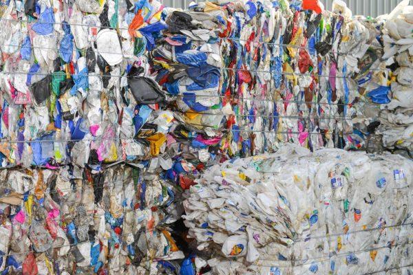 淪國際廢料垃圾場 馬來西亞將退還並追討費用