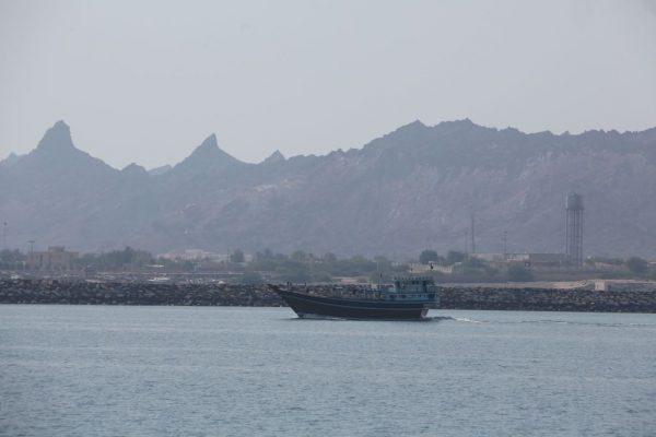 掐住能源输出咽喉 霍尔木兹海峡弥漫诡谲气氛