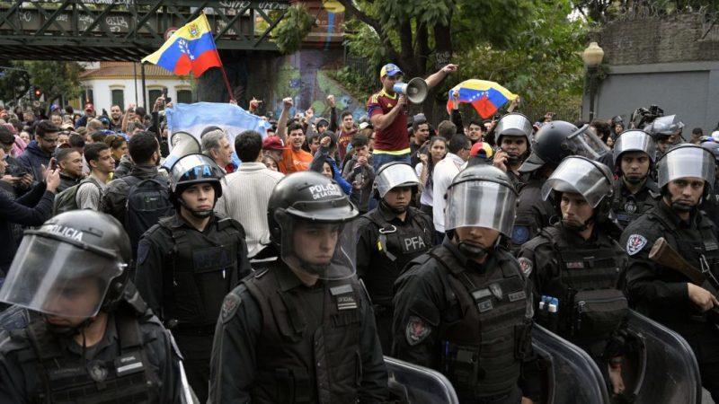 抗议物价飙涨 阿根廷示威罢工 海空动弹不得