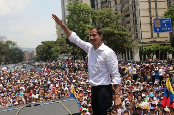 馬杜羅計劃流亡古巴 三親信被曝聯絡瓜伊多表支持
