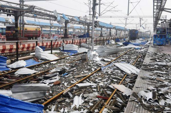 法尼酿灾没水没电  印度东部酿34死 民众上街抗议