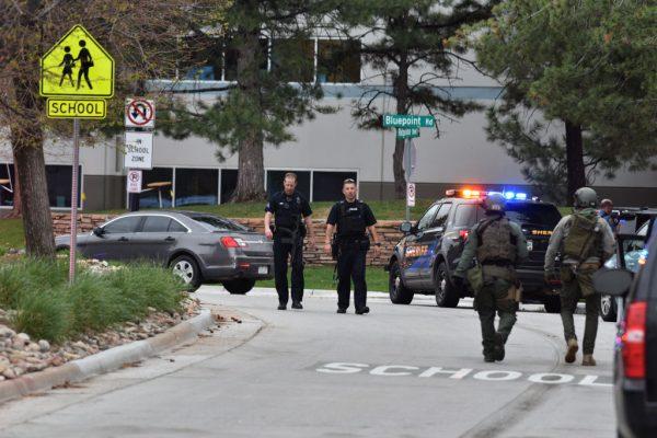 科罗拉多惊传校园枪击 酿1死8伤警逮两嫌