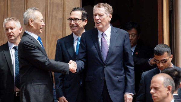 法媒:川普发明贸战新模式 边打边谈两不耽误