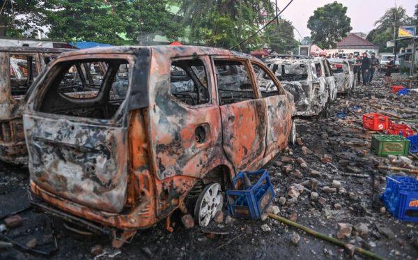 印尼群众抗议大选结果 警民暴冲突酿6死逾200伤